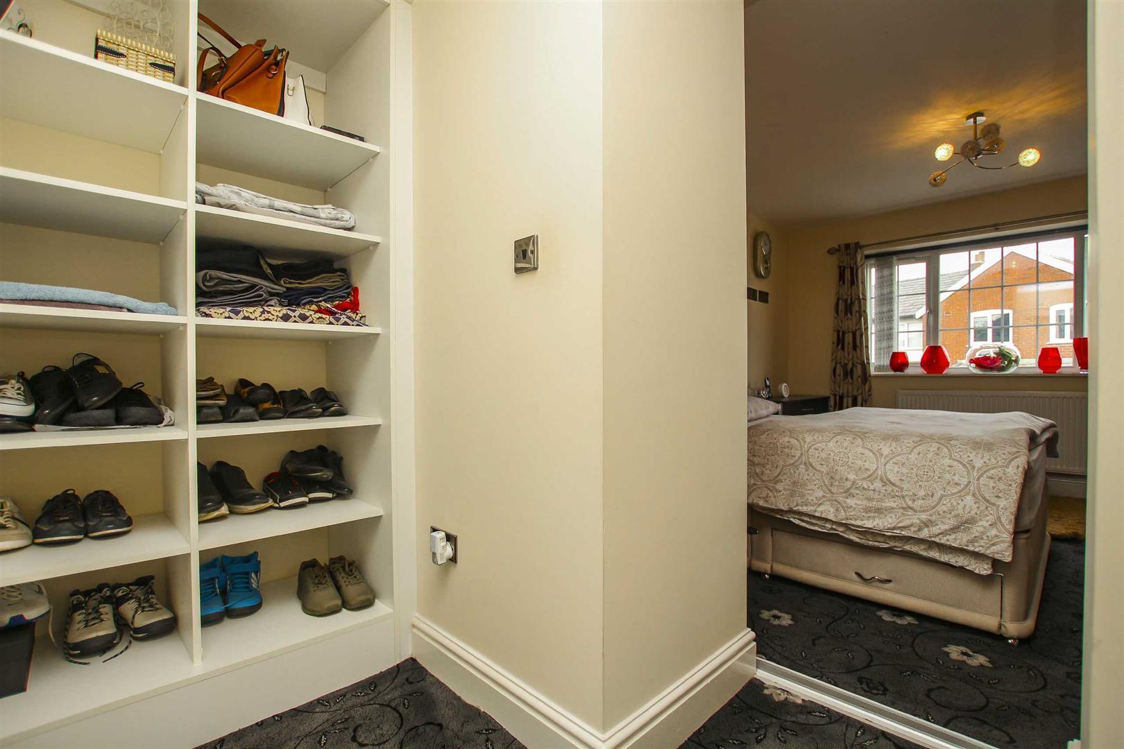 5 Bedroom Detached House For Sale - Image 11